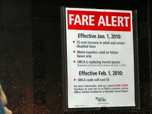 Fare alert on a Metro bus. Photo by Oran.
